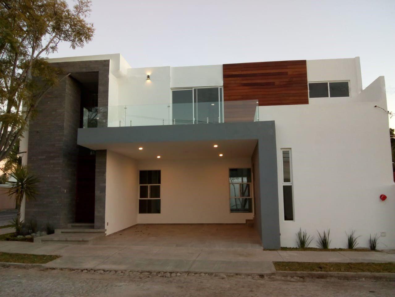 Casa con acabados de Lujo | Fraccionamiento Campestre